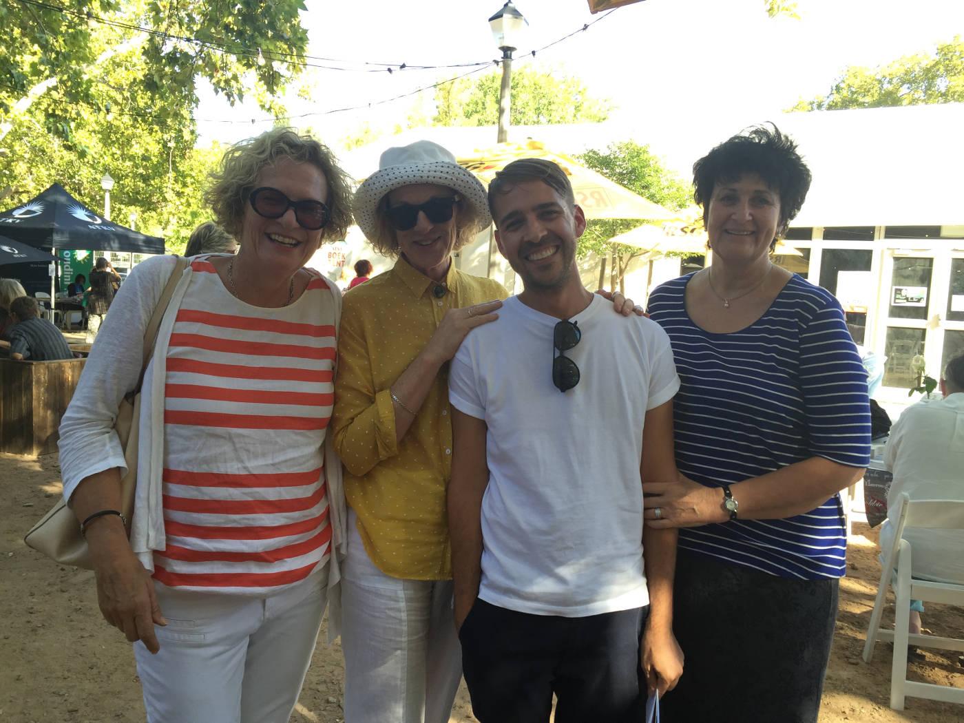 Junie 2016: Irna, Marita van der Vyver en Karin Brynard by ons uitgewer van Penguin Random House, Fourie Botha.