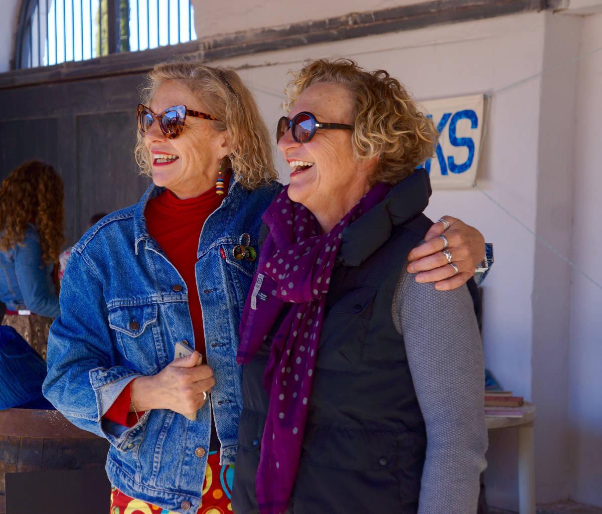 Julie 2016: Irna van Zyl en Marita van der Vyver in Montagu by die Breyten Breytenbach-fees.
